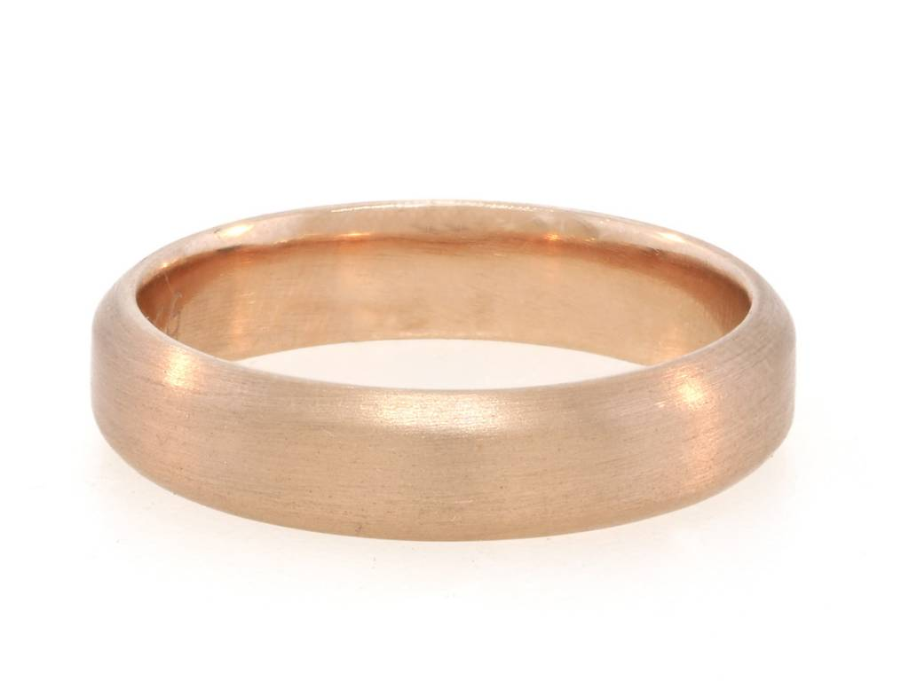 Trabert Goldsmiths Soft Edge Peach Rose Gold Band