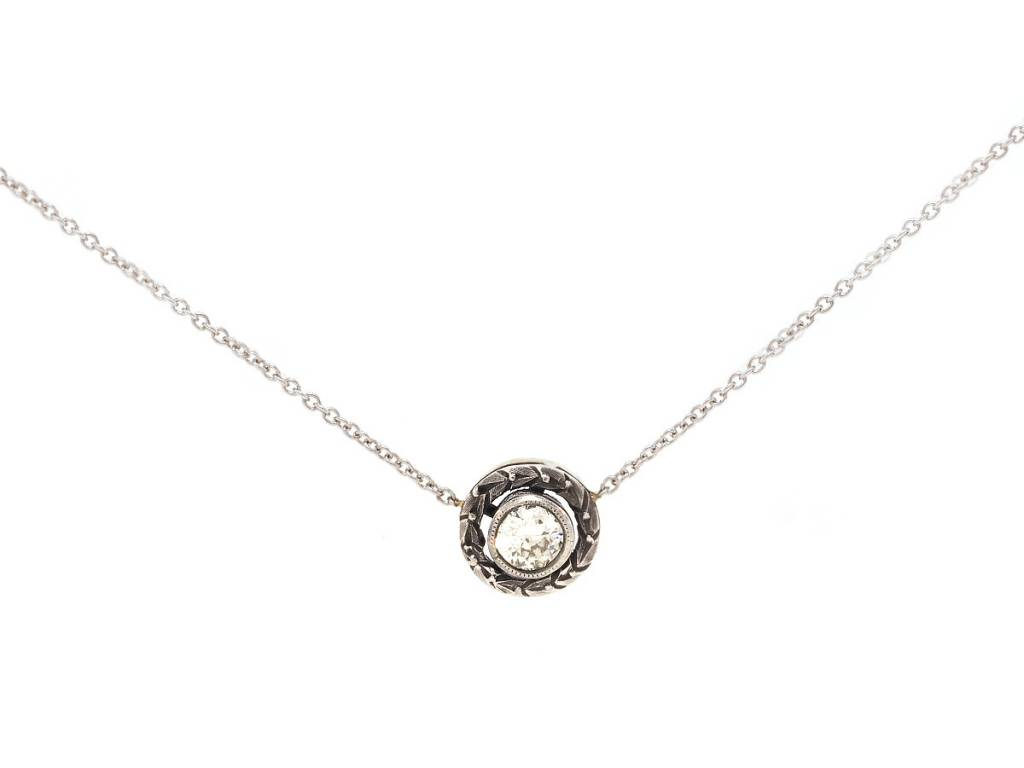 pendant bezel l necklace gold grams property diamond room rolex white