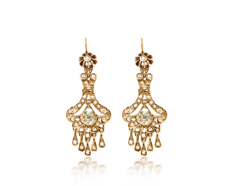 Trabert Goldsmiths Antique Victorian Diamond Drop Earrings