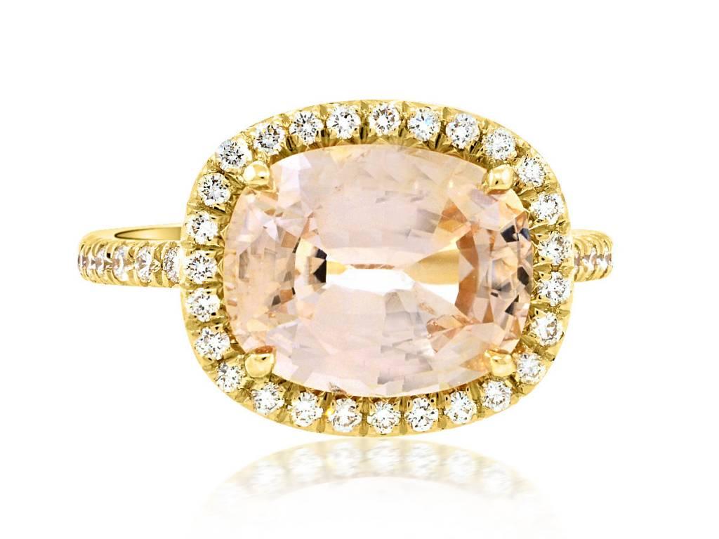 Trabert Goldsmiths 4.56ct Peach Sapphire Golden Goddess Ring