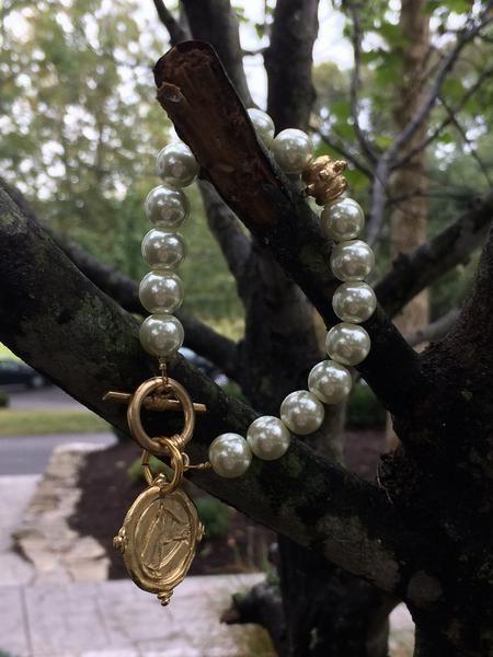Equestrian Pearl Bracelet