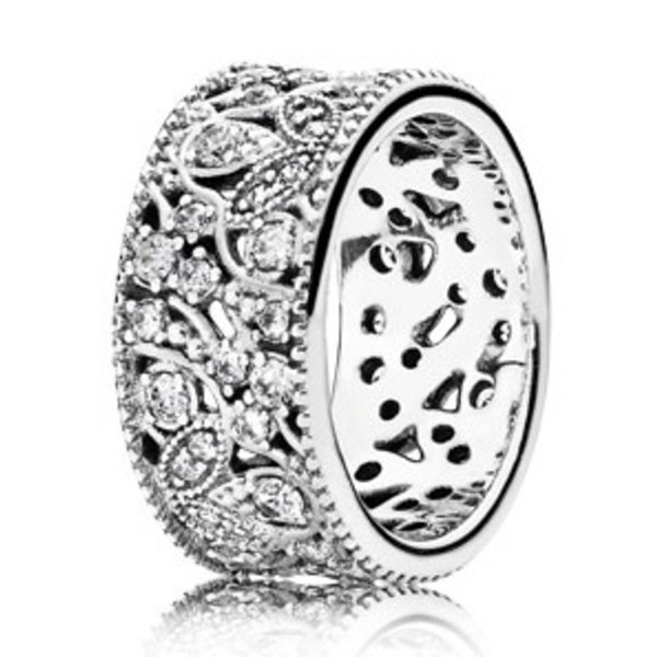 Pandora Shimmering Leaves, Clear CZ-52