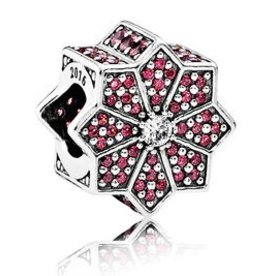 Pandora Holiday Poinsettia Charm