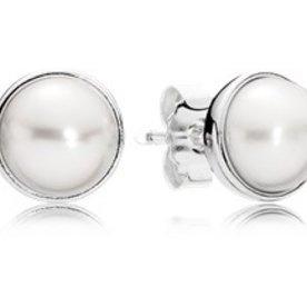 Pandora Elegant Beauty Pearl Stud Earrings