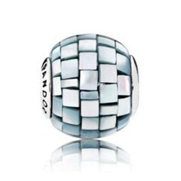 Pandora Balance, Essence Charm
