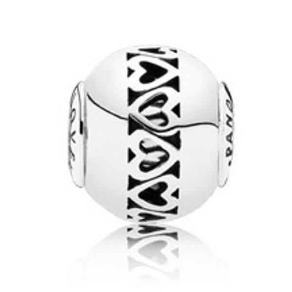 Pandora Love, Essence Charm