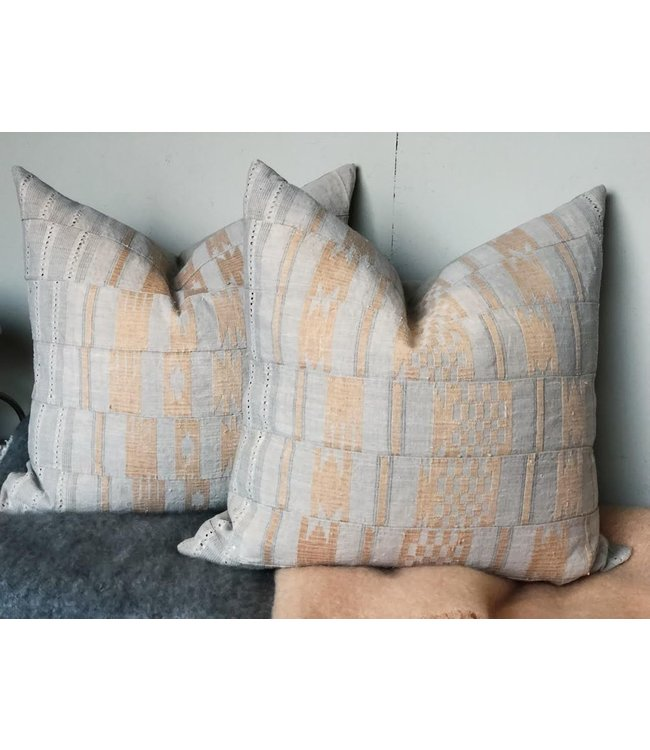 HOUSE OF CINDY LUXE VINTAGE-26X26-PILLOW