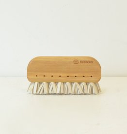 Everyday Natural Rubber bristles whisk away lint fibres easily with this Beechwood handled brush.