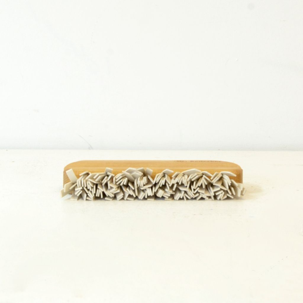Everyday Beechwood Rubber Lint Brush