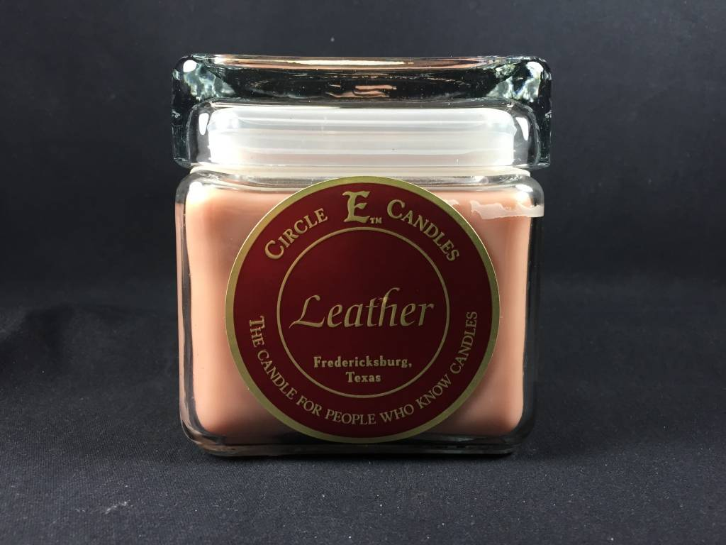 Circle E Candle - Leather - 28 oz