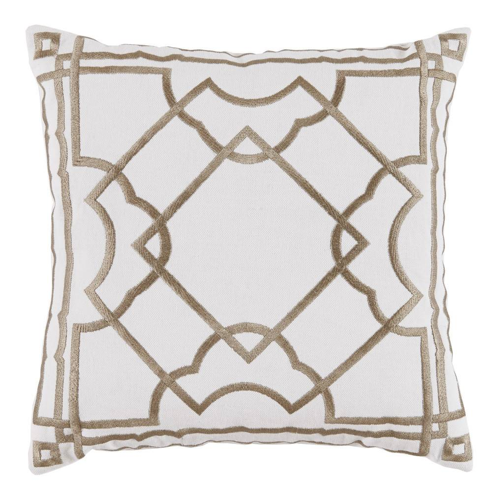 Gatsby Bisque on White Pillow