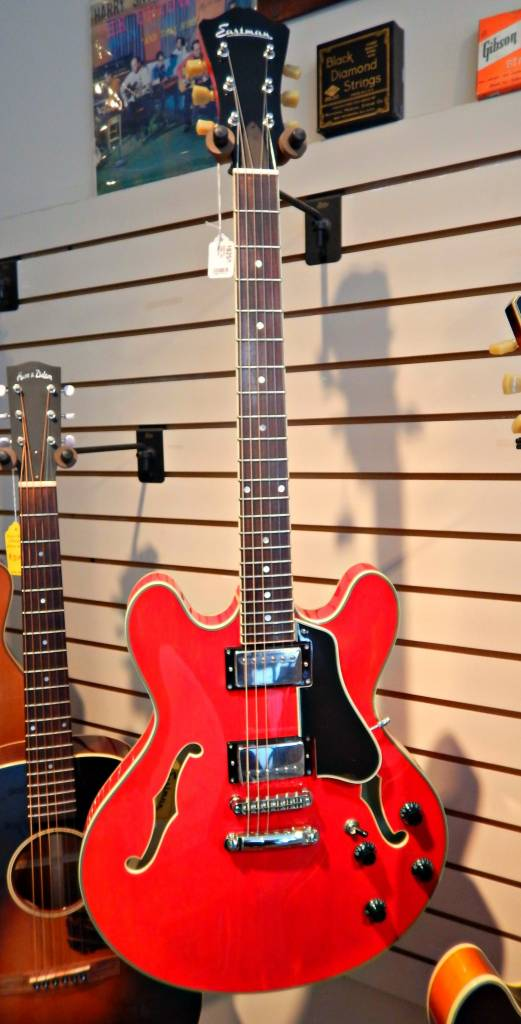 Eastman T386-RD Thinline