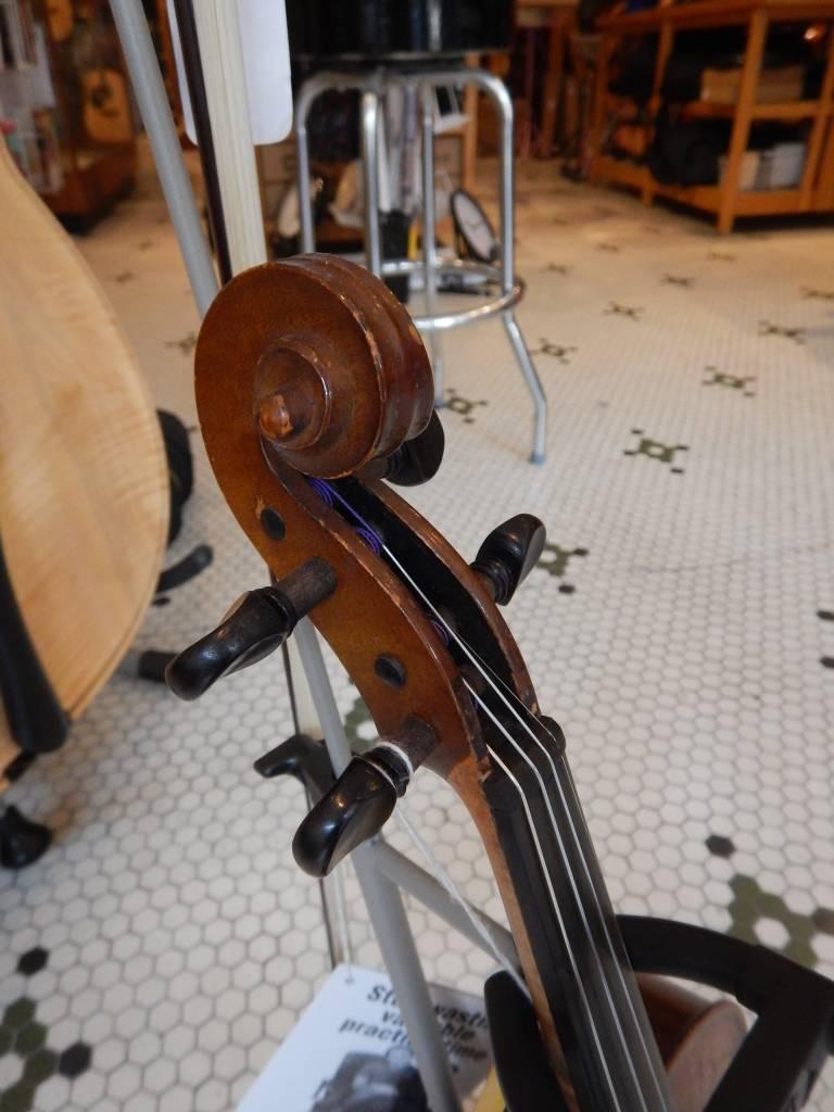 1940 La Melodia Violin
