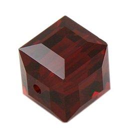 4 PC 8mm Swarovski Cube : Siam