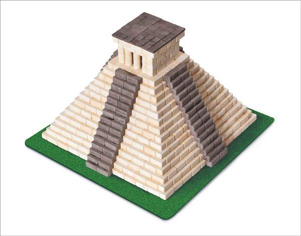 Mayan Pyramid 750 Pieces