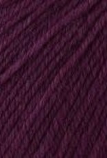 Universal Yarn Deluxe Worsted Superwash 742 Plum Dandy