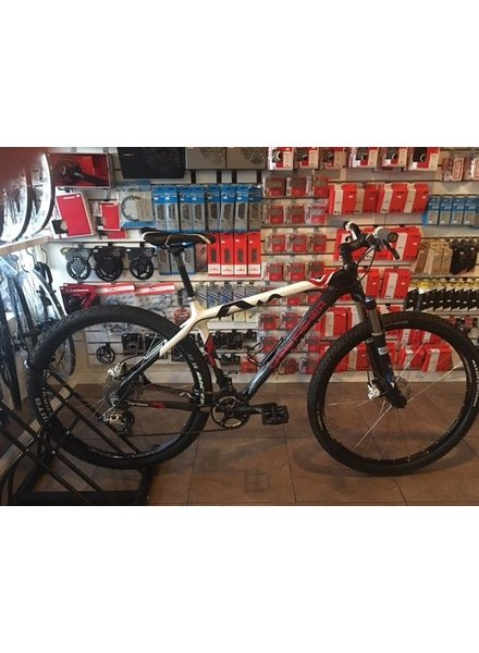 JRA BICYCLE COMPANY USED GARY FISHER SUPERFLY 29 CARBON