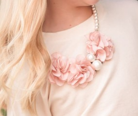 Mae Li Rose Flower Pearl Necklace