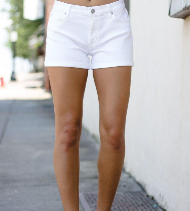 Hudson Hudson Asha Midrise Cuffed Short in White