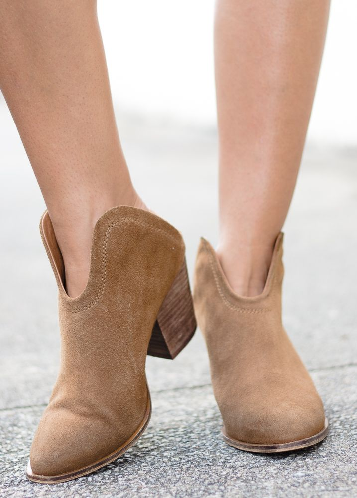 Chinese Laundry Chinese Laundry Kelso Suede Ankle Bootie