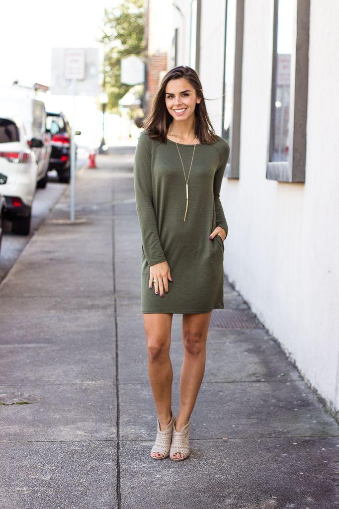 Karlie Solid Keyhole Knit Pocket Dress