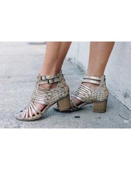 Not Rated Ofanto Woven Block Heel Sandal