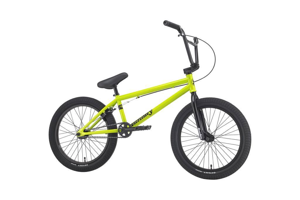 "Sunday 2018 Sunday Primer 20.5"" Safety Green Bike"