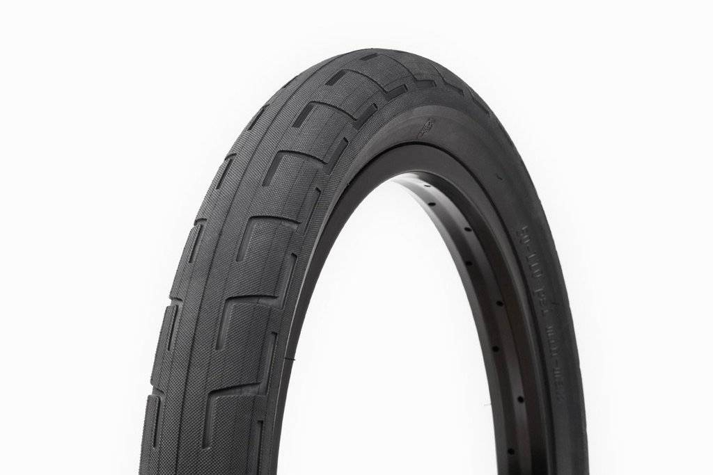"BSD 20x2.4"" BSD Donnastreet Black Tire"