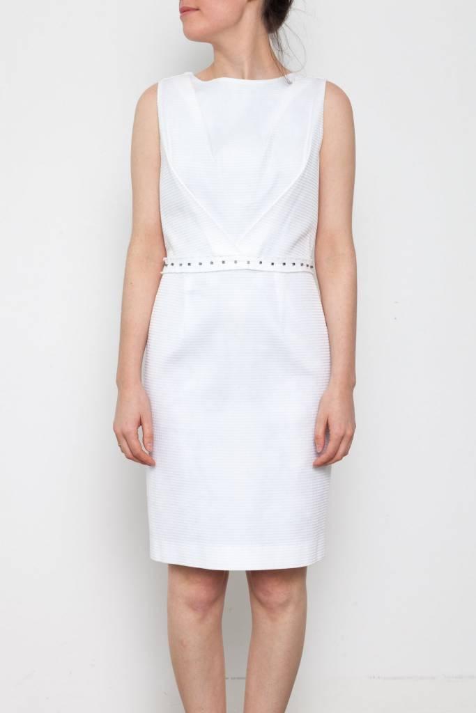 Robe blanche en perle