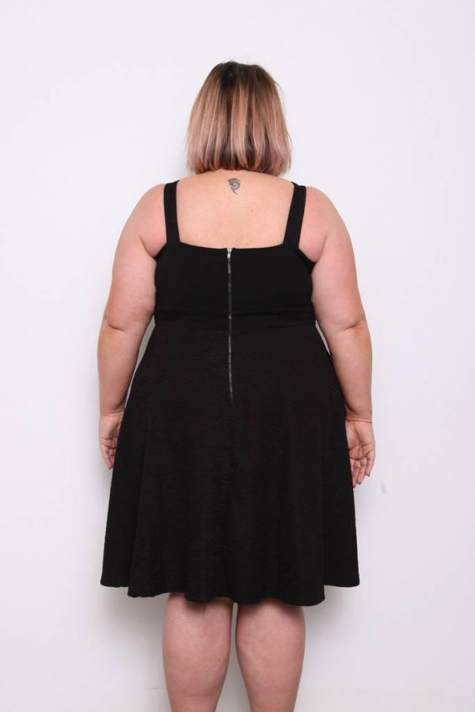 Chic en robe noire