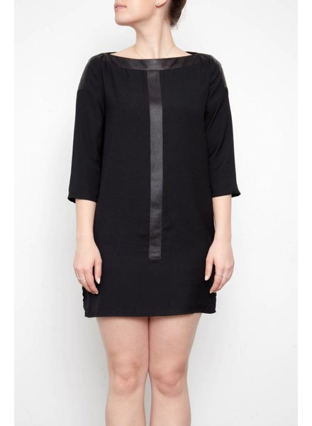 Valerie Dumaine ROBE NOIRE ACCENTS EFFET CUIR