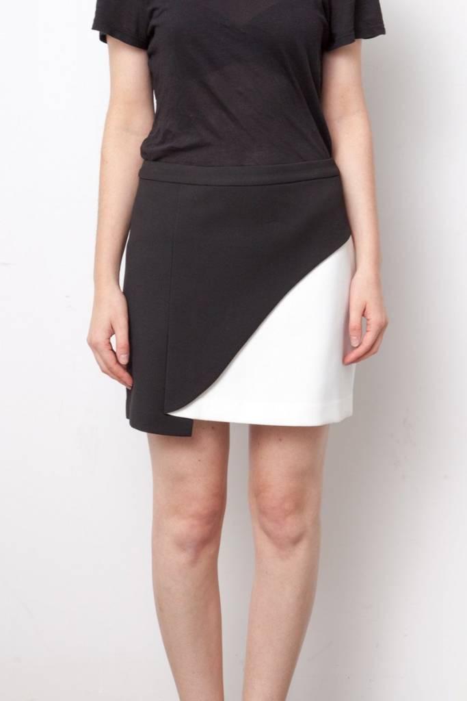 jupe noir et blanc bcbg max azria deuxi me dition. Black Bedroom Furniture Sets. Home Design Ideas