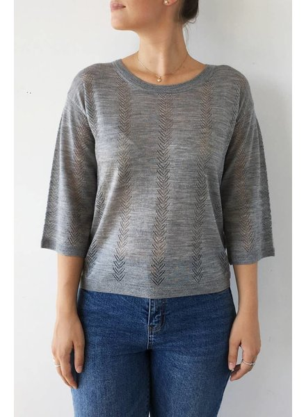 Darling HAUT GRIS À BRODERIES EN CHEVRONS - NEUF - TAILLE 12
