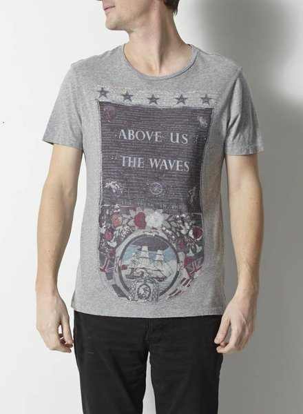 AllSaints T-SHIRT GRIS ABOVE US THE WAVES