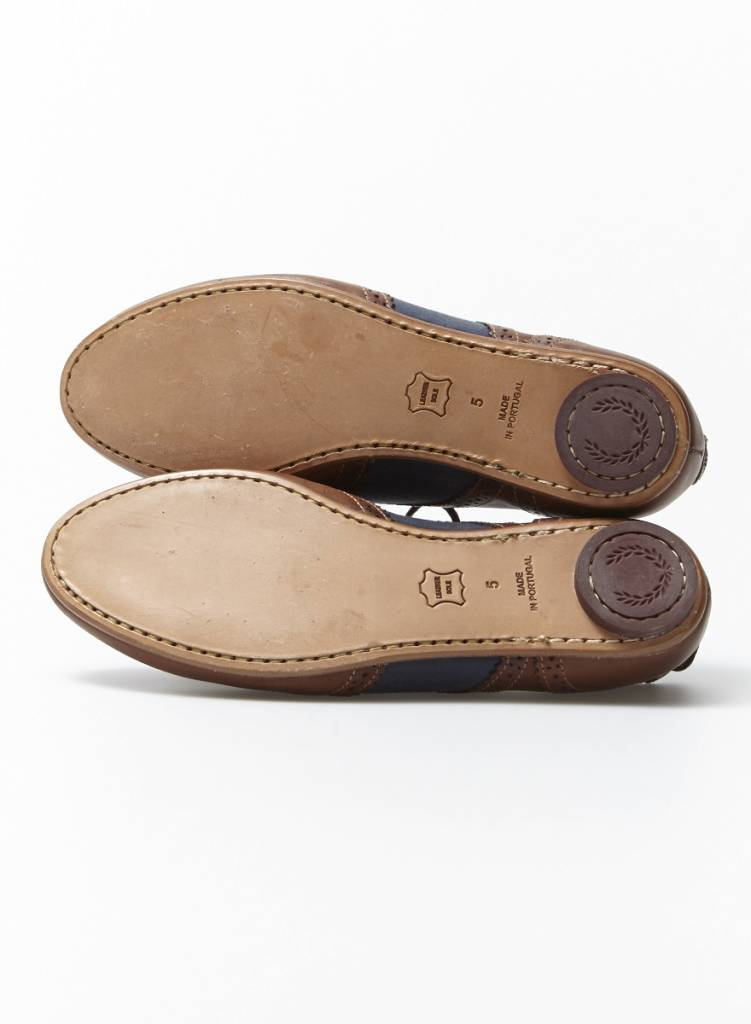 """Fred Perry Chaussures style """"oxford"""" marron et marine en cuir"""