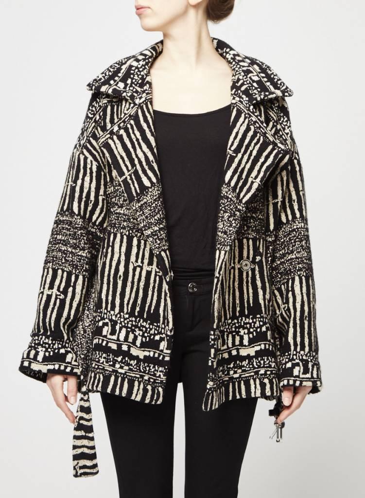 Manteau beige et noir