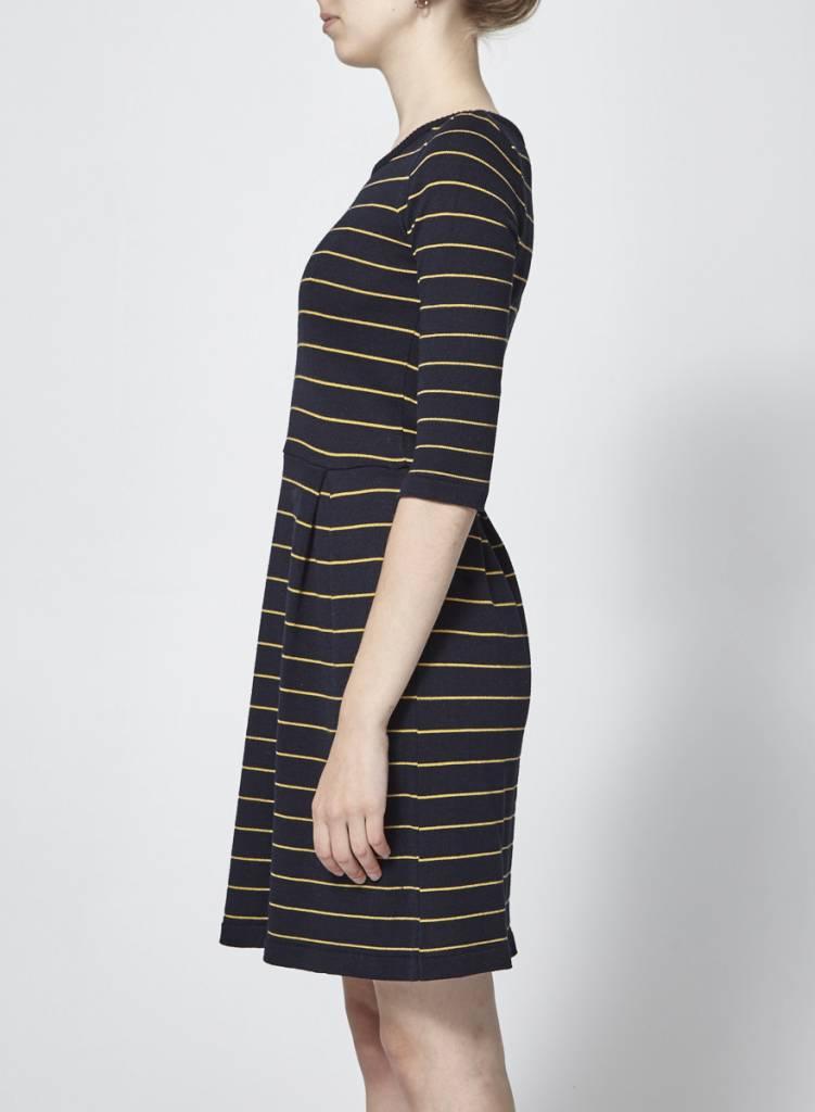 Betina Lou Robe en tricot marine rayures jaunes