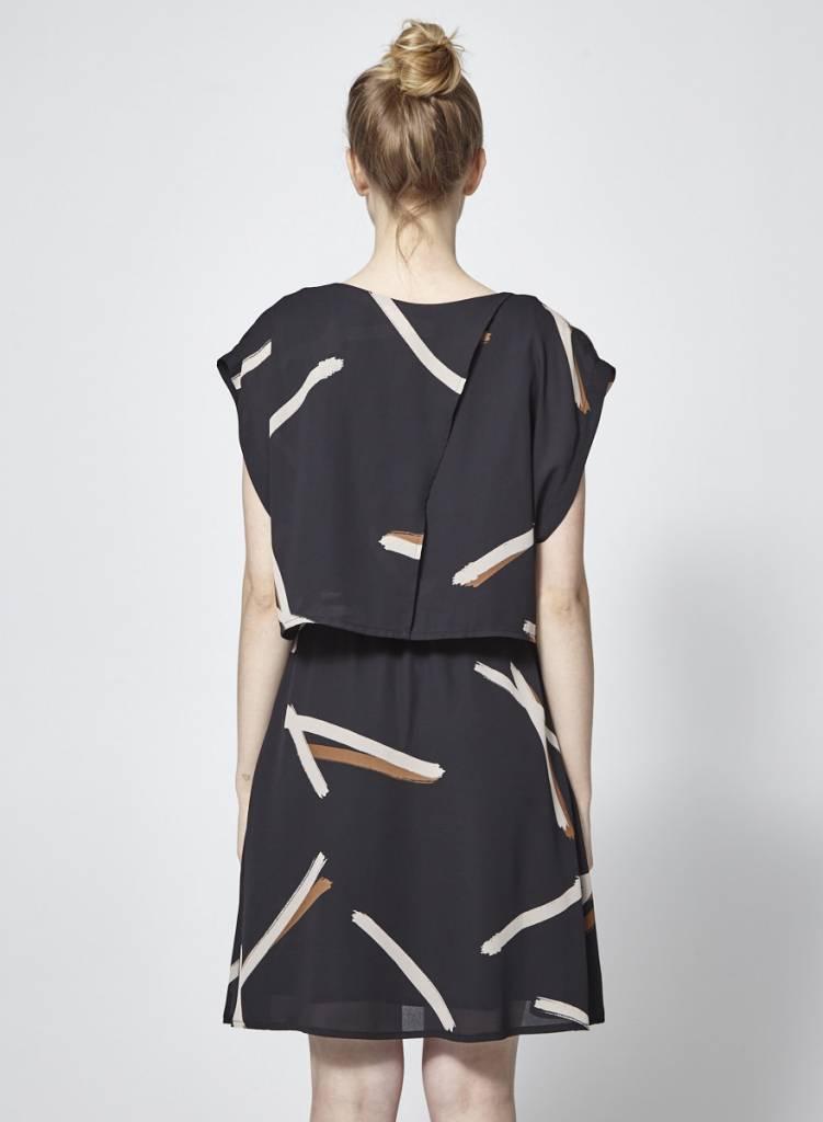 Eve Gravel Robe noire imprimé marron à volant