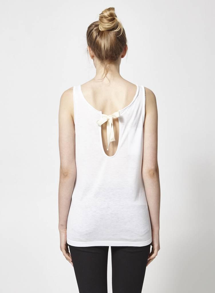 Designers Remix - Charlotte Eskildsen Camisole blanche boucle au dos - Neuve