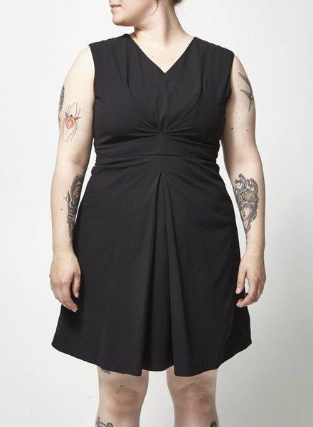 Designers Remix - Charlotte Eskildsen ROBE NOIRE SANS MANCHES - NEUVE