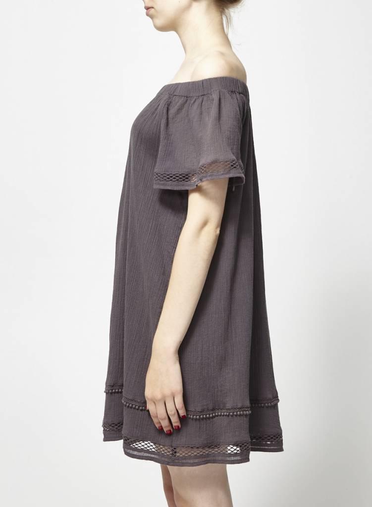 Charli Robe grise épaules dénudées