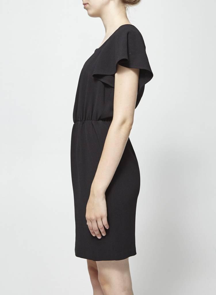 Eve Gravel Robe noire encolure filet