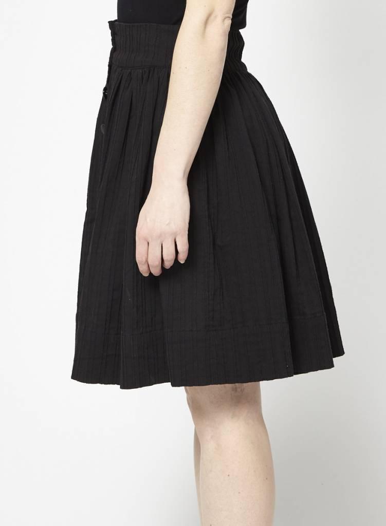 Betina Lou Jupe noire à plis et boutons