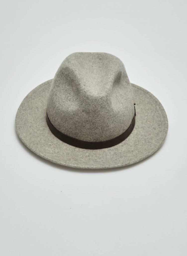 Club Monaco Chapeau en feutre gris