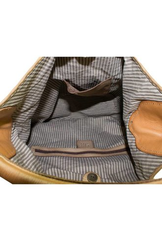 Majo extured Leather Bag Sand