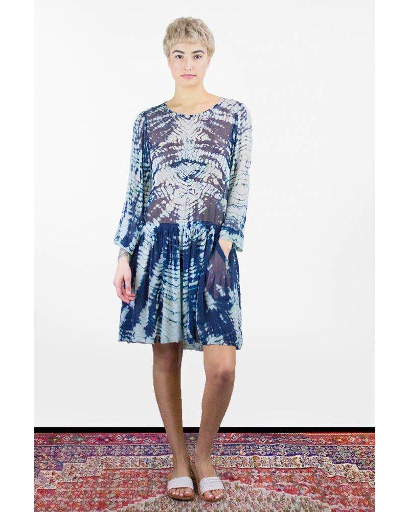 Erfreut Tie Dye Cocktail Dress Ideen - Brautkleider Ideen ...