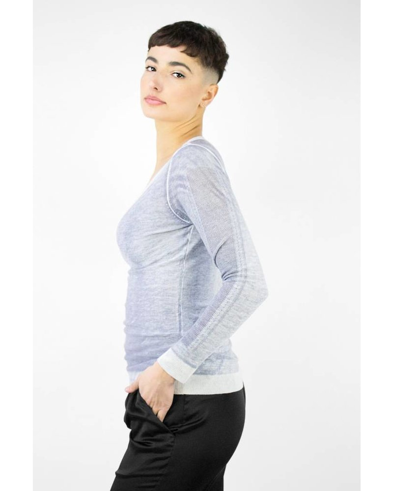 Kokun Perforated V-neck Silver