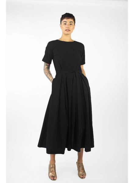 Pomandere Short Sleeve Midi Dress Black