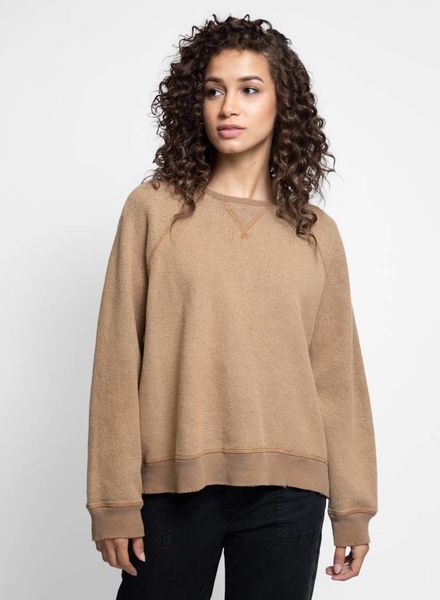 The Great The Slouch Sweatshirt Camel