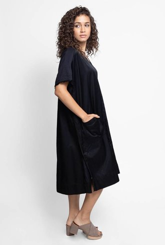 Burning Torch Wander Dress Black